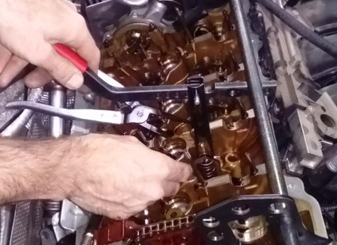 BMW N46-engine valve stem seal replacement | Garage 808